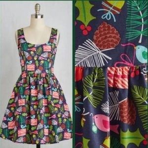 NWT Modcloth Retrolicious Jolly Gee Holiday Dress